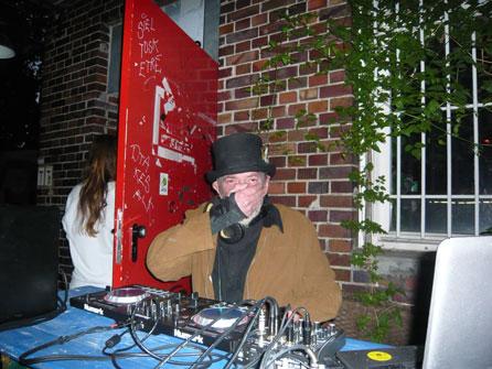 DJ Hines, Slugga
