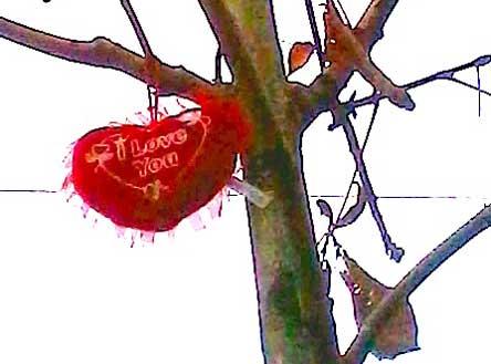 Plüschherz, Herz in Baum, Plüschkitsch, Hebstmode